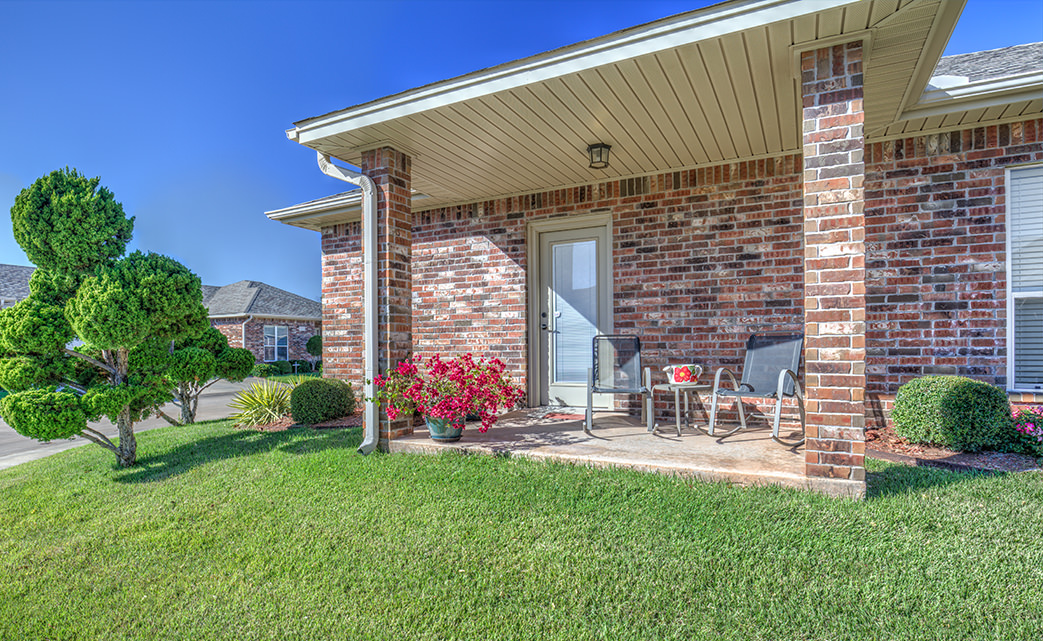 Lansing Place Community - Beautiful Patio Home Apartments